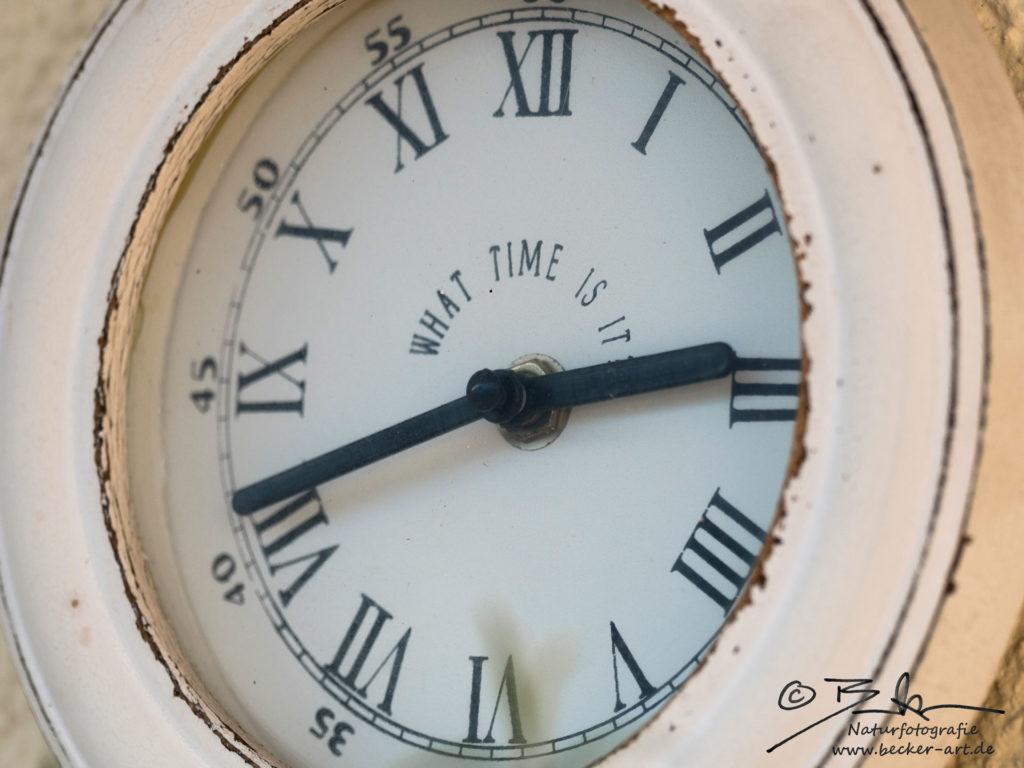 becker-art Bayern Garten Idylle Uhr