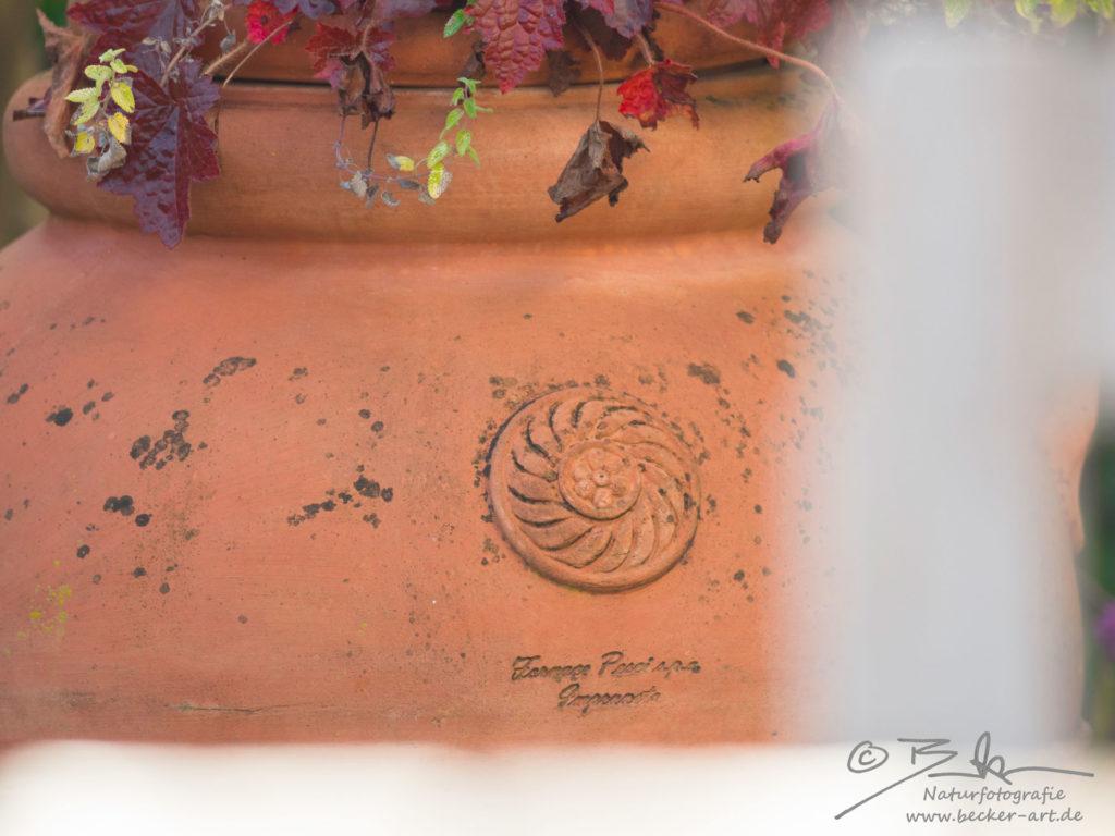 becker-art Bayern Garten Idylle Terracotta