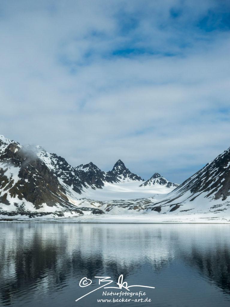 becker-art Natur Spitzbergen Svalbard Himmel Wolken Berge Meer Gletscher